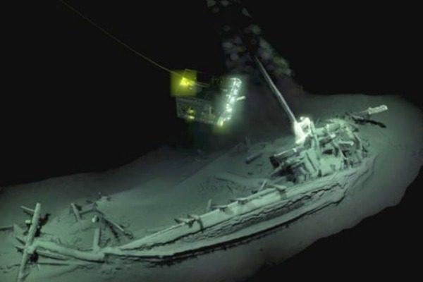 Συγκλονιστική ανακάλυψη: Αρχαιοελληνικό καράβι 2.400 ετών σχεδόν άθικτο βρέθηκε στην Μαύρη Θάλασσα