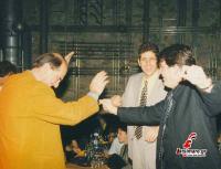 Βασίλης Μπαμπούρης και Μάρκος Δόλλας με τον Μιχάλη Ιορδανίδη