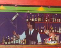 O Δημήτρης Χριστάκος στο μπαρ του club