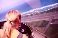 Η ξανθιά πιλότος...