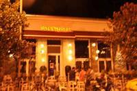 Τραγελαφικές καταστάσεις με τα τραπεζοκαθίσματα στην οδό Σαράφη