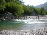 Υπάρχουν υπέροχες ορεινές παραλίες στον Ασπροπόταμο...!