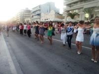 Πρόβα στα Τρίκαλα των χορευτικών που θα συμμετέχουν στο μεγαλύτερο συρτάκι του κόσμου στο Βόλο
