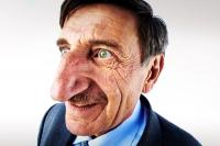 O άνθρωπος με τη μακρύτερη μύτη στον κόσμο