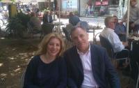 Φιλική συνάντηση είχε τη δεύτερη μέρα του Πάσχα, ο Βουλευτής Τρικάλων της ΝΔ Ηλίας Βλαχογιάννης με τη δημοσιογράφο Λώρα Ιωάννου