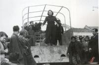 Μάρτιος 1945. Θεατρική παράσταση στα Τρίκαλα στην κεντρική πλατεία