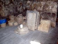 Στο άλλοτε αρχαίο ιερό της Πύλης Τρικάλων...