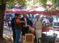 Πρωϊνός καφές στη λαϊκή αγορά για τον Μιχάλη Ταμήλο