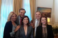 """Ο Πρωθυπουργός, ο Βλαχογιάννης και … οι """"ωραίες"""" της Νέας Δημοκρατίας"""