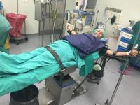 Ο Μr fatsimare στη χειρουργική κλίνη λίγο πριν την επέμβαση...(Αποκλειστική φωτο !)