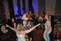 Μελωδίες και χοροί με τους