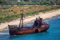 N.Δ. Αλλού η θάλασσα, αλλού το πλοίο...!