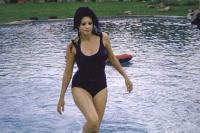 Η σπάνια φωτογράφιση της Σοφία Λόρενς στην έπαυλη της το 1964