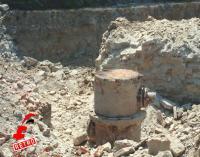 Η τσάπα έφερε στο φως μέρος του εξοπλισμού, ότι απέμεινε από τον εξοπλισμό του εργοστασίου Σταματόπουλου