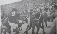 Ολυμπιακός-Παναθηναϊκός: Το ξύλο που έμεινε στην ιστορία! (pics+vid)