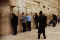 Ανεκδοτάκι: O Εβραίος πατέρας είναι ετοιμοθάνατος!