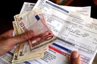 Reuters: Ασφυκτική η κατάσταση με τις οφειλές στη ΔΕΗ - 4 στους 10 δεν πληρώνουν
