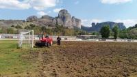 Eργασίες ανανέωσης – ανακατασκευής του χλοοτάπητα στο «Β. Καρακίτσιος»