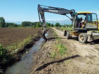 Καθαρισμός αγροτικών καναλιών στην περιοχή Πυργετού