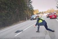 Έτσι σταματούν τα ύποπτα αυτοκίνητα στην Εσθονία