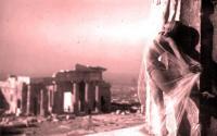 Γυμνές γυναίκες στον Παρθενώνα: Μια φωτογράφηση που σόκαρε την κοινή γνώμη