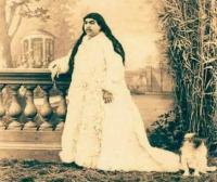 Αυτή είναι η Ιρανή πριγκίπισσα του 19ου αιώνα την οποία διεκδίκησαν 150 άντρες...