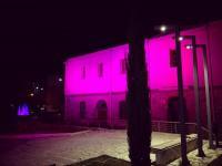 Στο ροζ της πρόληψης του καρκίνου του μαστού το Μουσείο Τσιτσάνη