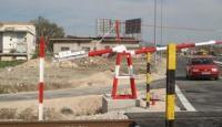 Τρένο παρέσυρε αυτοκίνητο στη διάβαση Κηπακίου στα Τρίκαλα. Νεκρός ο οδηγός
