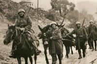 Γιατί η Ελλάδα είναι η μόνη χώρα που γιορτάζει την αρχή και όχι το τέλος του πολέμου;