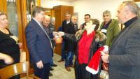Τα Χριστουγεννιάτικα Κάλαντα στο Δήμαρχο του Δήμου Μετεώρων κ. Χρήστο Σινάνη