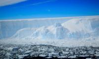 Τρομάζει η ανακοίνωση της NASA: Παγόβουνο - γίγαντας απειλεί την ανθρωπότητα