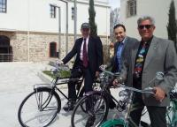Φωτο από την επίσκεψη Τζέφρι Πάιατ στα Τρίκαλα