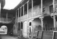 Το χάνι του Παπαζαχαρία στα Τρίκαλα...