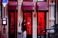 Γιατί οι οίκοι ανοχής έχουν κόκκινο φως...!