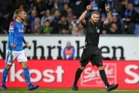 Γερμανία: O διαιτητής σφύριξε πέναλτι σε παίκτη που... έκανε ζέσταμα !