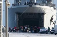 Οι ένολες δυνάμεις στην υπηρεσία των διακινητών μεταναστών...!
