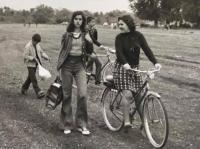 Πρωτομαγιά του '73 στο καταπράσινο Δροσερό