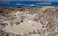 Το ιερό νησί της Δήλου – Γιατί απαγορεύθηκε να γεννιέται και να πεθαίνει κάποιος επάνω σε αυτό