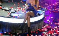 Κορονοϊός και μπουζούκια: Λουλούδια μόνο στα πόδια των καλλιτεχνών, όχι στο πρόσωπο