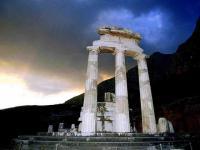 Τα 147 Δελφικά Παραγγέλματα: Η κληρονομιά των Αρχαίων Ελλήνων που όλοι πρέπει να γνωρίζουμε