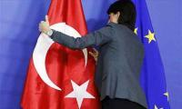 Άθλια υποκρισία της ΕΕ: Χαϊδεύει τον Ερντογάν και επιβάλει κυρώσεις στη Λευκορωσία