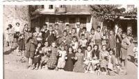 Πρωινό ρόφημα στους μαθητές του σχολείου μας το 1954…!
