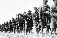 Απίστευτοι εκπαιδευτικοί: «Για τον πόλεμο δεν φταίει ο Χίτλερ αλλά τα μονοπώλια»