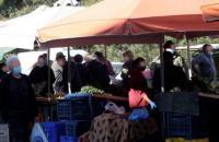 Περιορισμοί και μέτρα προστασίας στις λαϊκές αγορές της Φαρκαδόνας και Οιχαλίας