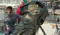 Αιγαίο: Τούρκοι ψαράδες έμειναν άφωνοι μόλις σήκωσαν τα δίχτυα! Το εκπληκτικό χάλκινο άγαλμα ανοιχτά της Καλύμνου