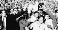 Μίμης Δομάζος: «Περάσαμε την Έβερτον και πήγαμε τελικό μόνο με Ελληνόπουλα»