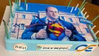Τρολάρισμα με την τούρτα του Χατζηδάκη: «Οι Superman της Ελλάδας αυτός και ο Πασχαλάκης» (pics)