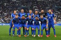 Γιατί η Ιταλία φοράει μπλε ενώ δεν υπάρχει το χρώμα στη σημαία της;