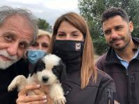 Σκυλάκι διέσωσαν η Δημοτική Αστυνομία Τρικάλων και περίοικοι