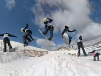 ΕΟΧΑ: Αγώνες στην Ολλανδία για την χιονοσανίδα, προετοιμασία στην Σλοβενία για το δίαθλο